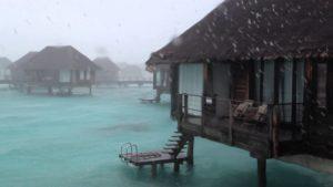 Мальдивы дождь